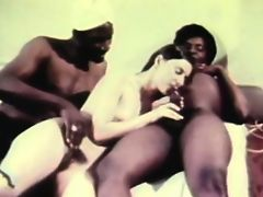 hot retro threesome havingsex