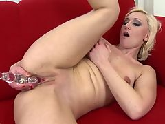 Real mature mom with hungry big pussy hole