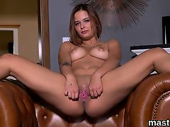Unusual czech kitten stretches her juicy honey pot to the sp