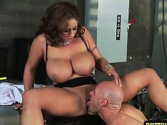 Natural tits pornstar sex with cumshot
