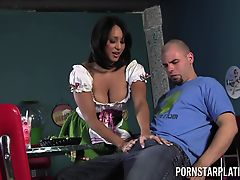 Faustine Lee horny waitress Fuck at Dinners