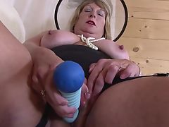 Granny stylish and hungry for fuck granny