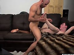 Big dick twink anal sex with cumshot