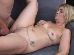 mature blonde needs to be fucked